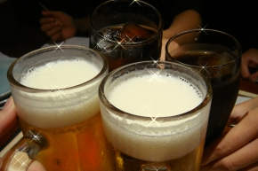 ((8-(o・ω・)o□☆□o(・ω・o)-8))乾杯♪ ミサ&ナナはコーラ!