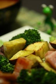 ブロッコリーとさつまいもとベーコンの温サラダ