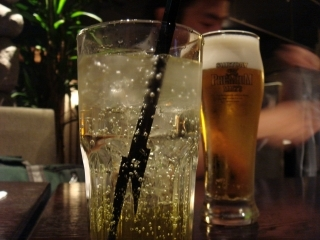ハム子=マンゴヤンソーダ と ダーリン=ビール