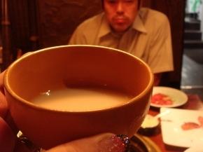マッコリはハム子が一人で全部飲んじゃった~(*^ー◇ゞゴクゴク (*~o~)□プハァ