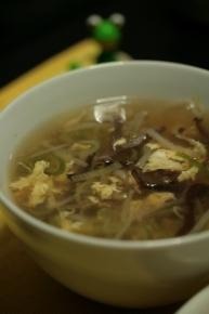 もやしときくらげの玉子スープ