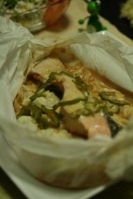 秋鮭のちゃんちゃん焼き風なクッキングペーパー包み焼き