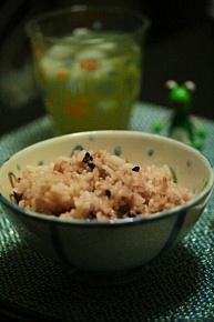 赤飯じゃにゃーよ。雑穀米よ。