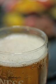 焼き焼きの間、ビールで待つ♪