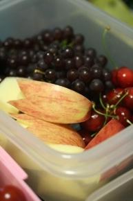 果物(さくらんぼ・デラウエア・りんご)