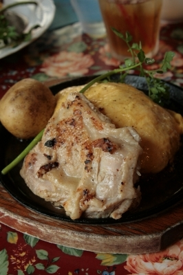 おこげご飯のオムライスとチキンソテーWASABI風味
