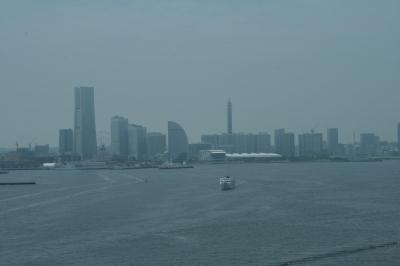 ラウンジからの眺めはこんな感じ。ガスってなければ富士山が望めます~
