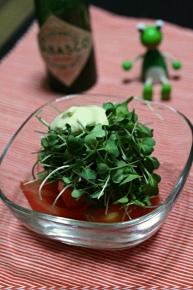 トマトとブロッコリーの芽てんこ盛りサラダ