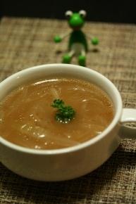 じっくりコトコト煮れず、中途半端に煮込んだオニオンスープ
