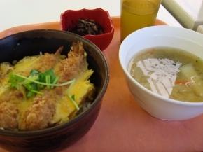 エビ玉丼・豚汁・ひじき煮