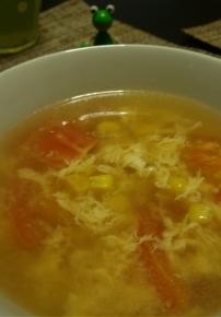 コーンとトマトのかき玉スープ(コンソメ味)